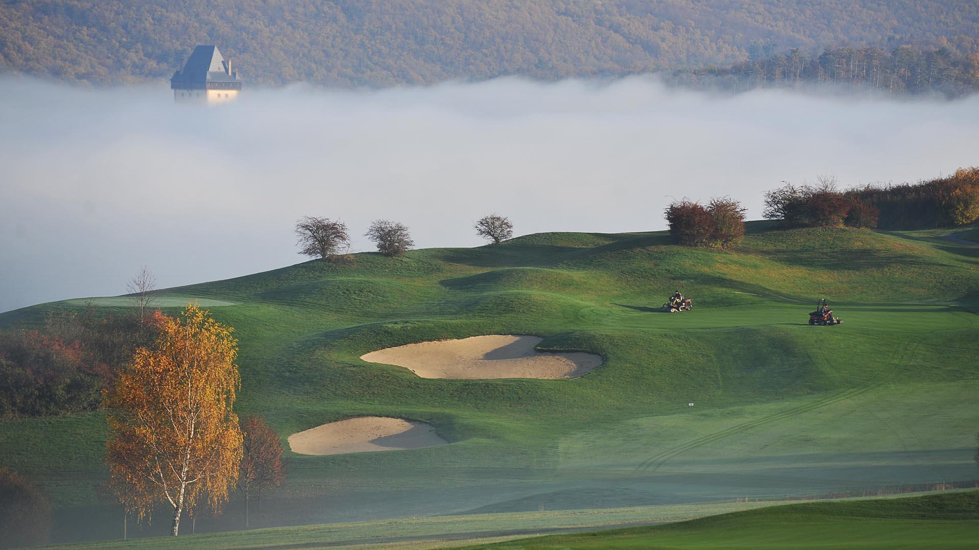 Podzimní ráno s poetickou mlhou